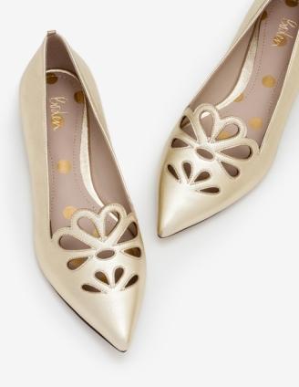 Chaussures dorées_BOden.jpg